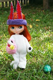 This pattern is for a basket for blythe dolls, or any doll, to collect their eggs in on Easter, or for any occasion.