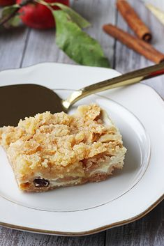 Na vidličku: Sypaná tvarohová buchta s jablky a skořicí Sweet Desserts, French Toast, Cheesecake, Food And Drink, Breakfast, Recipes, Dessert, Morning Coffee, Cheesecakes