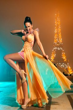 Glamour in Paris Fabulous Dresses, Cute Dresses, Formal Dresses, Beautiful Dresses, Orange Gown, Color Streaks, Orange And Turquoise, Aqua, Teal