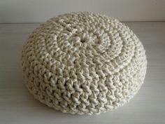 poef haken - patroon poef 47x20 cm  - Zeepkettingen Maken - Poef haken - Tassen haken - Nooodle -> Knutseltasjes.nl Knitting Projects, Bean Bag Chair, Sweet Home, Projects To Try, Diy Crafts, Crochet Things, Home Decor, Ideas, Home