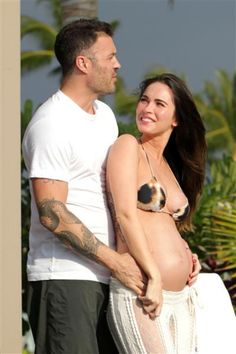 Megan Fox pregnant! She is adorable..