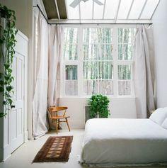 Nouvelle maison oblige, en ce moment je passe ma vie sur Pinterest. Envie de verdure, envie de blanc, Envie...