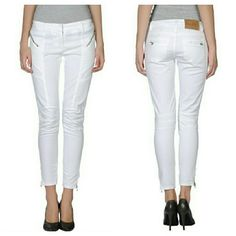 "Pierre Balmain White Skinny Jeans Mint.  Inseam 27"" 8"" rise Waist is 30"" Low rise stretch cotton blend Made in Italy BALMAIN 42 (Like a US 28) Balmain Jeans Skinny"