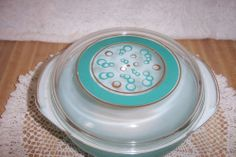 VINTAGE PYREX CASSEROLE AQUA FLOATING CIRCLES LID SIGNED FRED PRESS 50s RARE