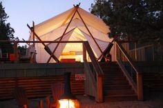 """Glamping"" is the best of both worlds - camping and luxury. It's the best of both worlds! Check out these eight glamping spots in Oregon. California Beach Camping, Florida Camping, Oregon Vacation, Oregon Travel, Luxury Tents, Luxury Camping, Camping Places, Camping World, Camping San Sebastian"