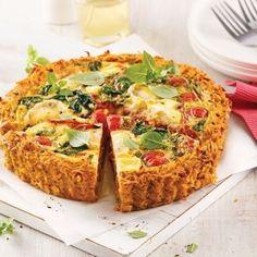 Peu calorique, goûteuse et bourrée de nutriments, la croûte de patate douce est un must. Faites-en l'essai dans cette recette de quiche garnie de tomates séchées et de fromage de chèvre!
