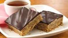 Valnøtt-bar med sjokoladetrekk - http://sunndessert.no/valnott-bar-med-sjokoladetrekk/