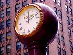 This clock on Madison Avenue between 53rd and 54th Streets in New York dates from 1983.