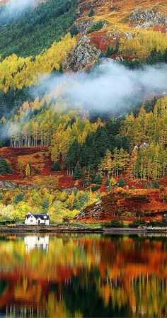 Gorgeous autumn colors in the Highlands. Oh what I would give to live in that…