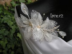 Haga clic para cerrar Wedding Lace, Lace Weddings, Bobbin Lace Patterns, Lace Jewelry, Bobby, Fashion Ideas, Brooch, Dress, Flower Applique