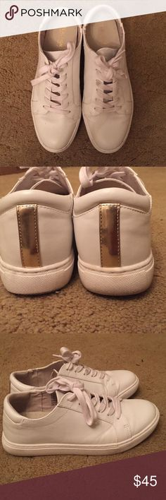 08e5fb4aa2f3 White sneakers Kenneth Cole Reaction ✨ Beautiful white tennis shoes with  gold detail on back.
