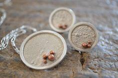 :: Carolina Gaete Fischer :: Colgante y aros - plata reticulada y cobre / Pendant & earrings - reticulated silver & copper