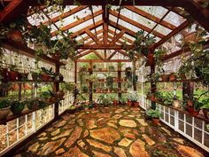 Diy Greenhouse Plans, Outdoor Greenhouse, Greenhouse Interiors, Backyard Greenhouse, Backyard Landscaping, Outdoor Gardens, Rustic Greenhouses, Cheap Raised Garden Beds, Underground Greenhouse