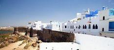 Asilah es una pequeña población situada en la costa atlántica, a unos 45 minutos de Tánger. Casablanca, Costa, Where To Go, Around The Worlds, Snow, Outdoor, Morocco, Hotels, Cities