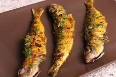 Sardine la grătar cu sos thailandez Sardinia, Asparagus, Zucchini, Vegetables, Food, Calamari, Veggies, Essen, Vegetable Recipes