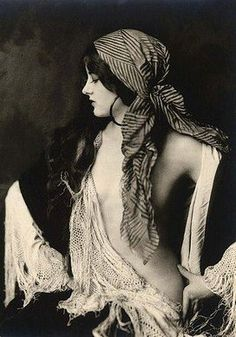 Virginia Biddle, Ziegfeld girl.