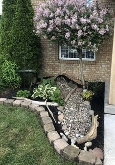 River Rock Landscaping, Landscaping With Rocks, Front Yard Landscaping, Formal Garden Design, Rock Garden Design, Garden Stones, Rocks Garden, Stone Flower Beds, Small Front Gardens