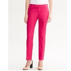 """Banana 4P Hampton Crop Pants Maui Rose Pink EUC! ▪️ Banana Republic   ▫️ Size 4 Petite  ▪️ """"Hampton"""" fit, cropped pants in """"Maui Rose"""" Pink.  ▫️ 96% Cotton / 4% Spandex   ▪️ Excellent used condition!   ▪️ Waist - 15.25"""" across the front, lying flat.   Inseam - 24.5"""".   Rise - 9"""".  ✳️ Bundle to Save 20%!  ❌ No Trades, Holds, PP   100% Authentic!    Suggested User // 700+ Sales // Fast Shipper // Best in Gifts Party Host!  Banana Republic Pants Ankle & Cropped"""