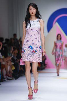Shiatzy Chen Ready To Wear Spring Summer 2016 Paris - NOWFASHION