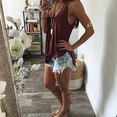 Daisy Ripped Cut Off Shorts - Lt Wash
