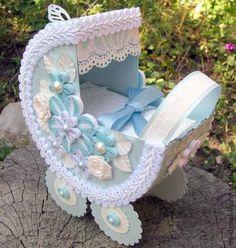 Открытка-коляска для поздравления с рождением малыша. Нежно-голубая коляска для поздравления родителей с новорожденным мальчиком. В коляске конверт с местами для денег и пожеланий.  Такая форма поздравления останется на долгую память в семье и будет постоянным…
