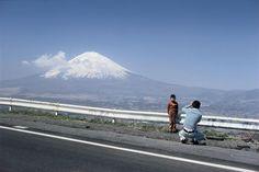 Elliott Erwitt  Mount Fuji 富士山, Japan - 1977