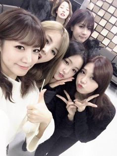 Apink group selca