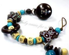 Schnullerkette mit Namen Teddy Schmetterling von baby name for u auf DaWanda.com