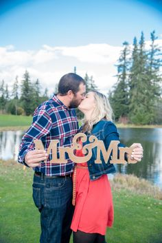 This darling couple met on a golf course so this session was taken at Stone Creek Golf Club in Oregon City, Oregon. See more at stephaniefordphotography.com #engagmentphotography #portlandphotographer #portraits #thatsdarling