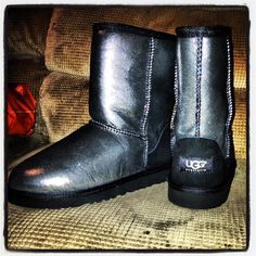 Love!!!I'm sure these will be on one of my girls' Xmas list... #UGG #Boots FOR #Winter