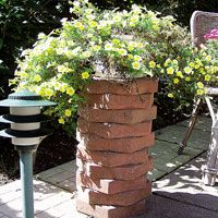 Flowerpot Stand from leftover patio pavers
