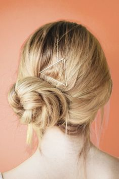 Add some flair to your everyday hairstyle with these silver bobby pins by Kitsch. Add some flair t Pigtail Hairstyles, Bobby Pin Hairstyles, Face Shape Hairstyles, Best Wedding Hairstyles, Sleek Hairstyles, Trending Hairstyles, Everyday Hairstyles, Headband Hairstyles, Straight Hairstyles