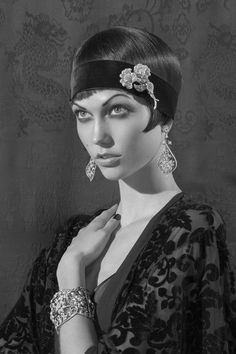 Fashion pictures or video of Karlie Kloss: Americana Manhasset 'Speechless'; in the fashion photography channel 'Advertising'. Flapper Girls, Flapper Era, Flapper Style, Karlie Kloss, 20s Fashion, Vintage Fashion, Fashion Trends, Belle Epoque, Style Année 20