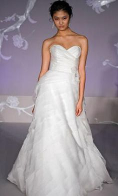 Alvina Valenta 9114 10: buy this dress for a fraction of the salon price on PreOwnedWeddingDresses.com
