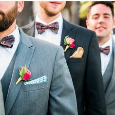 Hello all you beautiful people! Looks like these dashing groomsmen are all lined up for this @weddingchicks takeover! FOLLOW to see what lovely inspiration we'll put up next. Xoxo @weddingchicks #groom #groomsmen #boutonniere #bowtie #wedding