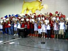 """America the Beautiful"" paper plate routine. great idea for younger students in the Veteran's Day program."