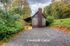 Creekside Cabin rental, exterior view at Amis Mill in Rogersville, TN.