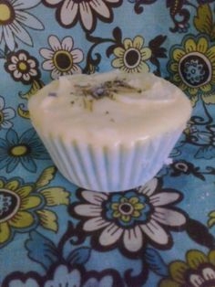 Hey, I found this really awesome Etsy listing at https://www.etsy.com/listing/174609091/4oz-rosemary-lemon-fizzy-cupcake-bomb