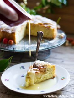 "Applekuchen - Phänomenaler Apfelkuchen aus Thomas Kellers ""The French Laundry Cookbook"" mit warmer Cremesauce."