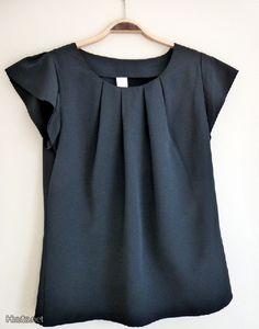 VILA:n musta lyhythihainen paita