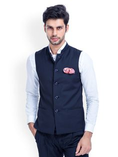 15 Types of Nehru Jackets Every Man Should Know About Mens Indian Wear, Mens Ethnic Wear, Indian Groom Wear, Indian Men Fashion, Men's Fashion, Fashion Suits, Wedding Kurta For Men, Wedding Dresses Men Indian, Wedding Dress Men
