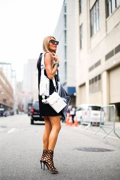 AdR having a monochrome moment with her Alexander Wang utility bag. NYC. #AnnaDelloRusso