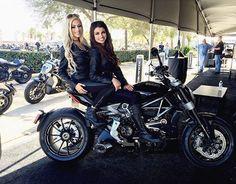 #sibabes #ducati #xdiavel #bikeweek2016 #ducatigirls #ducatisisters #gridgirls #umbrellagirls #umbrellagirlsusa @umbrellagirlsusa @briannanoel4 @melindabubbles #180angels #daytonabikeweek2016 #serviceindustrybabes #promomodels (at Daytona Bike Week)