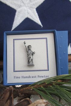 Statue of Liberty Lapel Pin CC479 by jimclift on Etsy