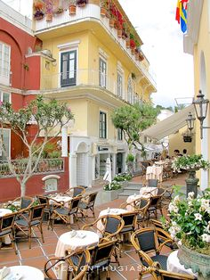 Summer Color on the Fashionable Isle of Capri