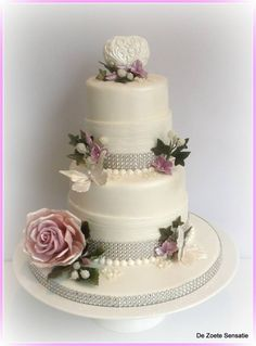 Mid Winter Wedding Cake