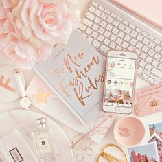 Rose Gold Aesthetic, Tout Rose, Accessoires Iphone, Flat Lay Photography, Photography Ideas, Iphone Accessories, Girly Things, Girly Stuff, Cute Wallpapers
