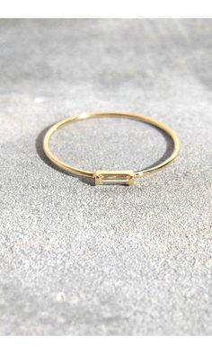 Trois Petits Points bague diamant baguette------#troispetitspoints #bijou #jewelry #bague #ring #gold #or #diamant #diamond
