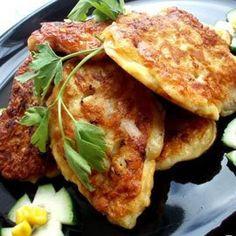 Куриные оладьи  Ингредиенты:  Куриное филе - 1 шт.,  Яйцо 1 шт.,  Мука 1 ст.л.,...  Соль, перец,  Растительное масло,  Зелень укропа.