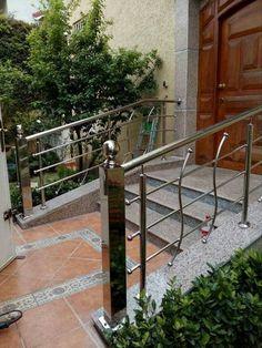Steel Grill Design, Steel Railing Design, Modern Stair Railing, Balcony Railing Design, Balustrade Inox, Balustrade Balcon, Steel Balustrade, Home Window Grill Design, Grill Door Design